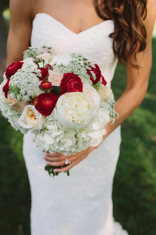 Красно бежевый букет невесты #12