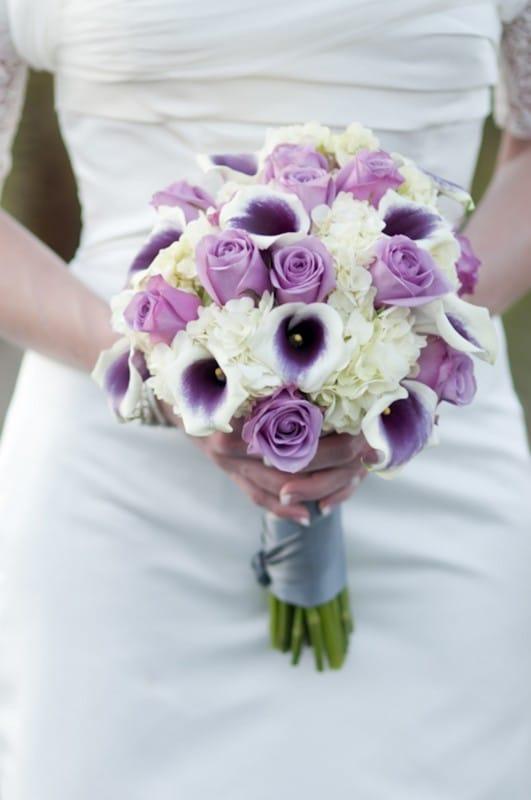 Какие цветы можно купить в августе заказать синий свадебный букет