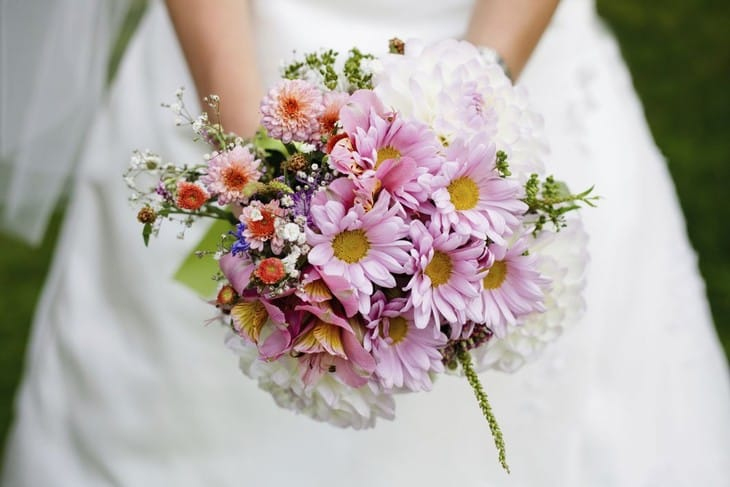 svadebniy-zheltie-buket-v-avguste