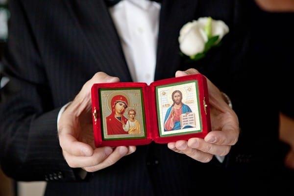 Какие иконы дарят молодым на свадьбу
