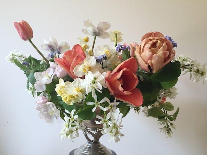 Когда невесте дарят цветы