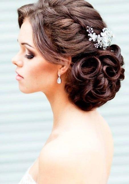 Прическа собранные сзади волосы
