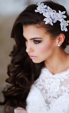 Свадебные прически с гребнем: фото и идеи
