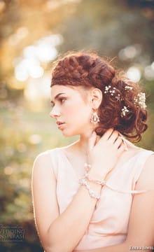 Свадебные прически с цветами: фото и идеи