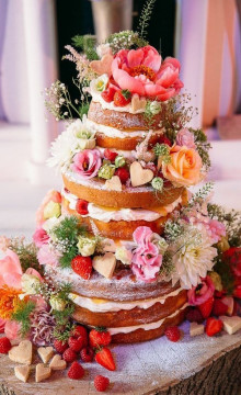 Свадебный торт с розами: выбор декора и идеи офрмления