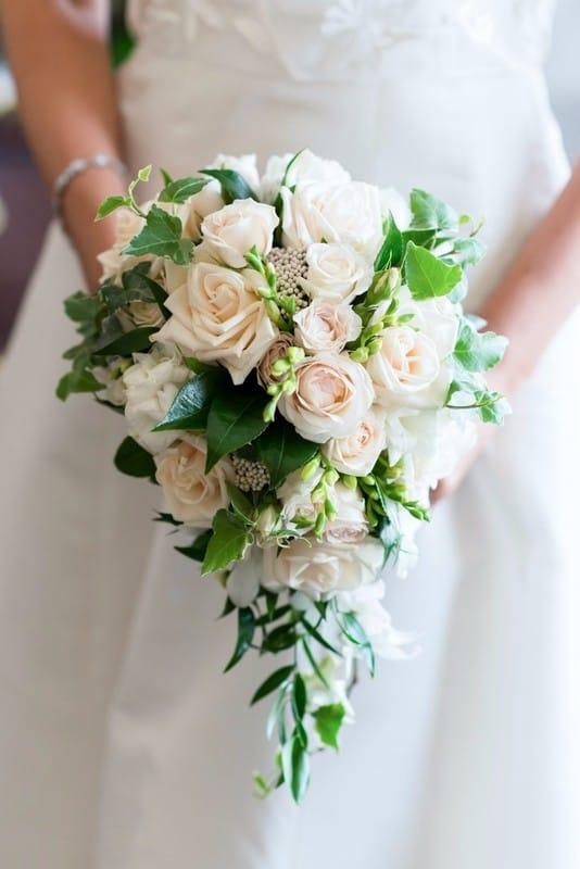Тематические свадебные букеты фото из красных роз, горная орхидея цветы на заказ