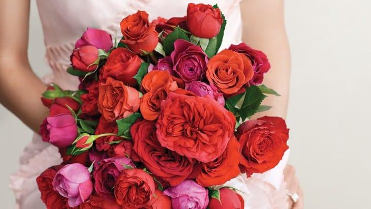 Красный свадебный букет: фото для вдохновения