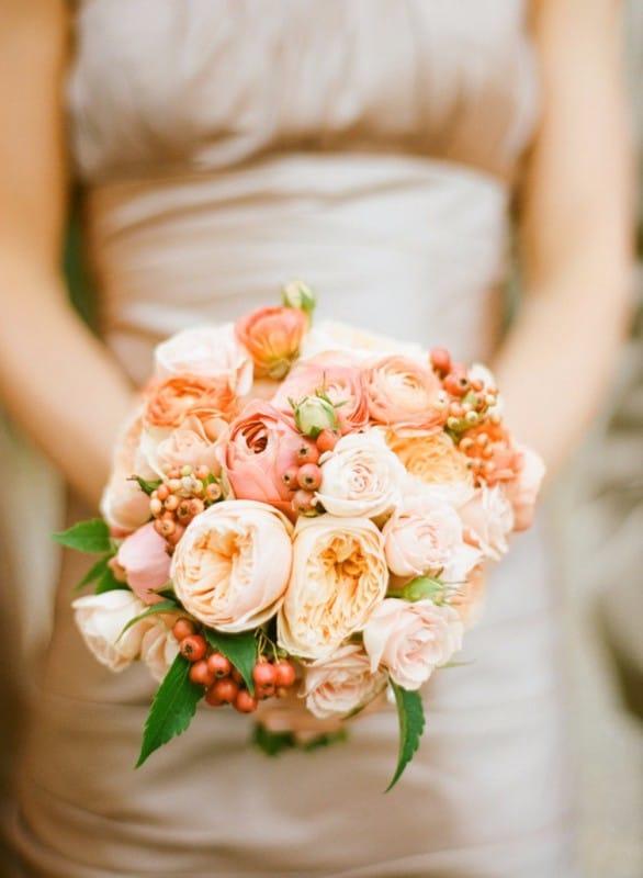 Персиковый свадебный букет