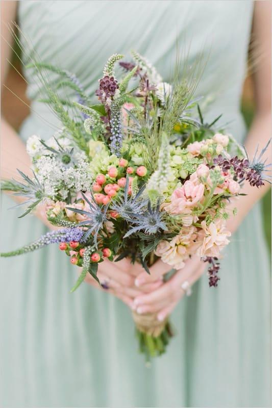 Свадебный букет невесты из полевых цветов 43