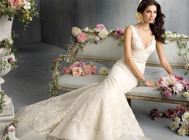 Модели свадебных платьев с рукавами из кружева