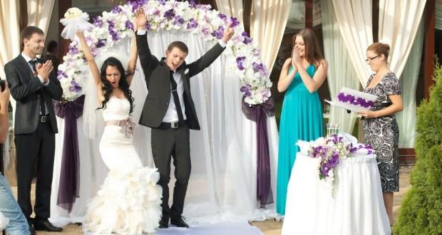 Поздравление двоюродному брату в день свадьбы от сестры