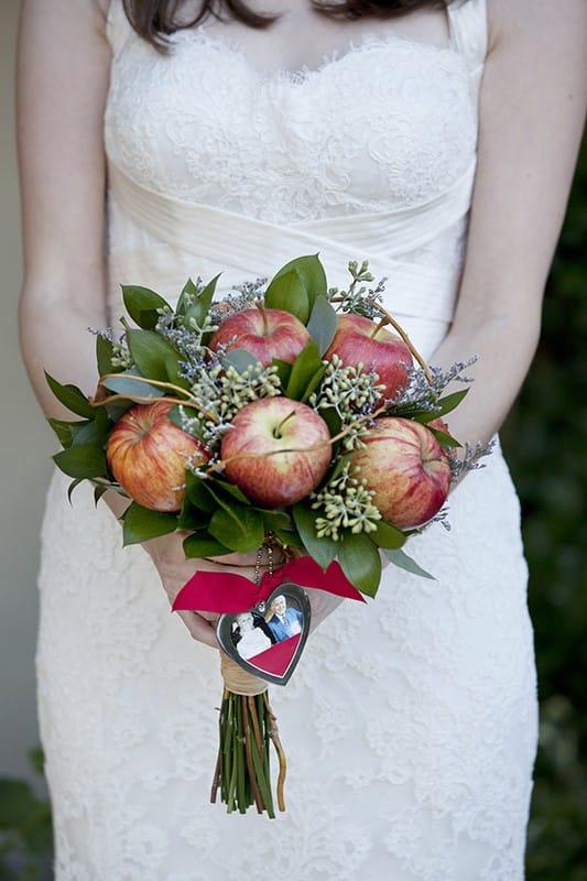 Необычные букеты на свадьбу