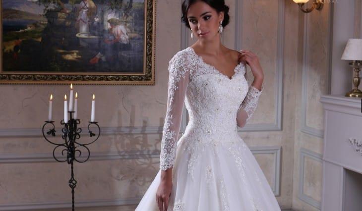 5f9275d1ef5bc77 Мода на свадебное платье с кружевными рукавами опять возвращается! Вот уже  несколько сезонов такой вариант свадебного наряда считается главным  трендом, ...